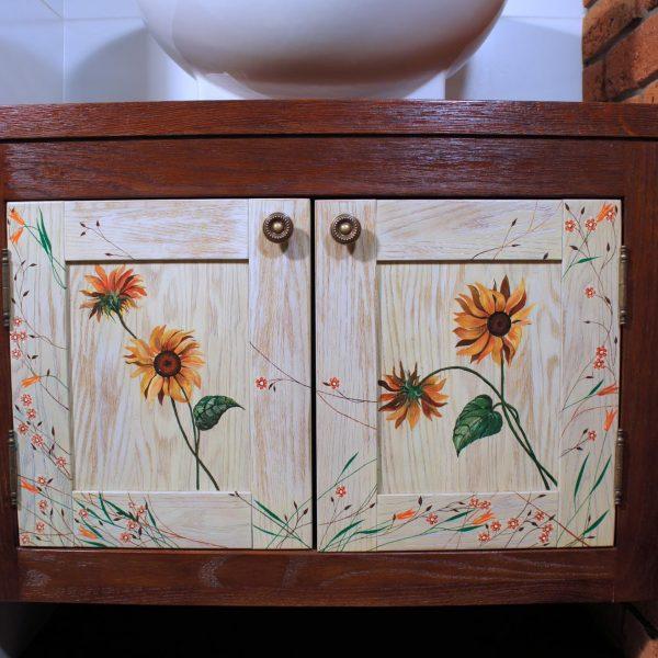 Drewniana Szafka Łazienkowa Malowana Ręcznie w Kwiaty
