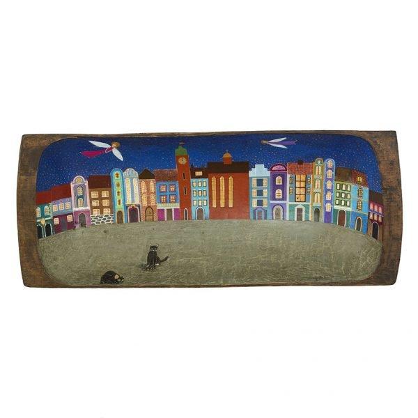 Obraz Malowany na Drewnie, na starej drewnianej niecce. Kolorowe, baśniowe miasteczko z aniołami i kotami