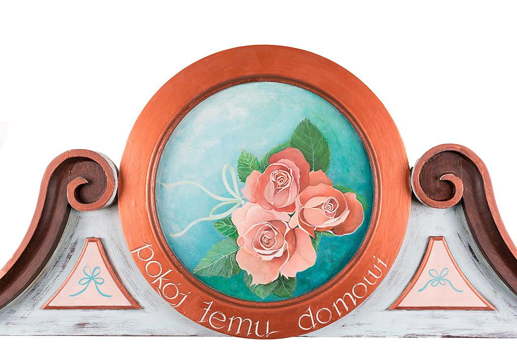 Ozdobne Zwieńczenie Drzwi - wykonane z drewna i pomalowane ręcznie
