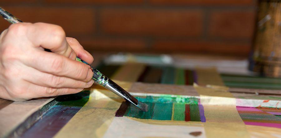 Malowanie na Drewnie przy pomocy pędzelka